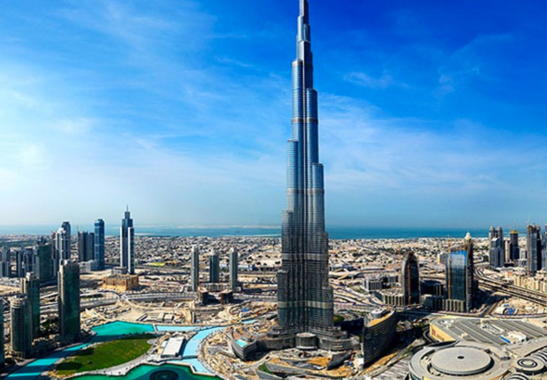 Burj-Khalifa-At-top